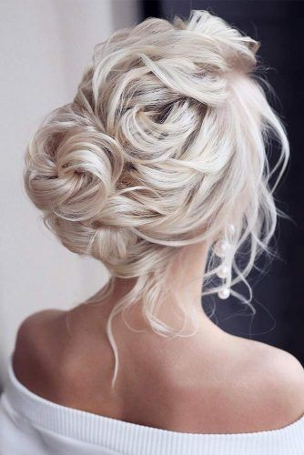 Updos For Sophisticated Lady #promhairstyles #longhair #hairstyles #updohairstyles